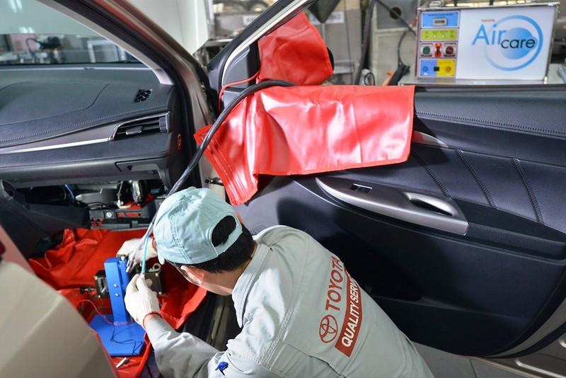 Toyota triển khai dịch vụ vệ sinh giàn lạnh điều hòa - ảnh 2