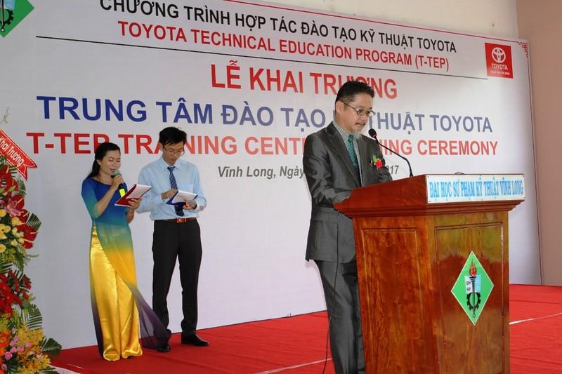 Toyota hỗ trợ đào tạo kỹ thuật ô tô cho Vĩnh Long - ảnh 1