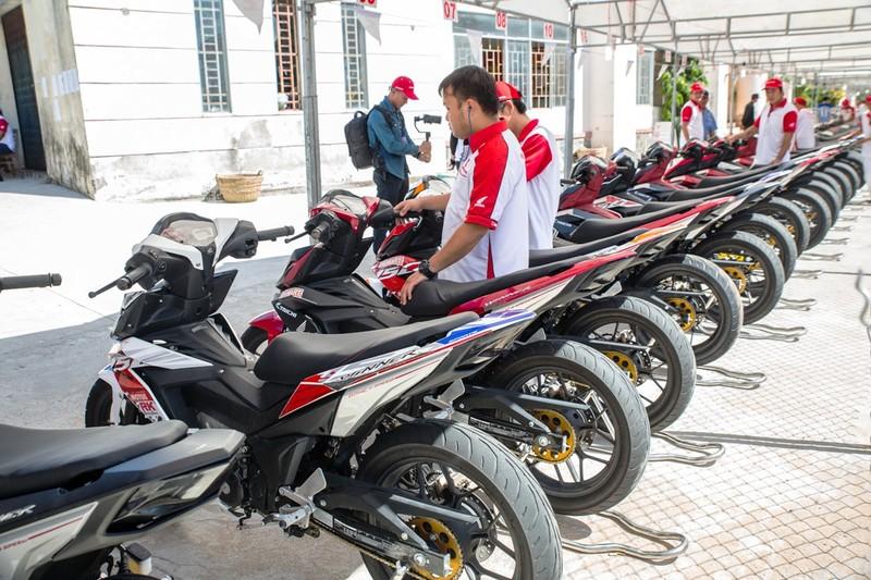 Tưng bừng giải đua xe mô tô Honda ở Tuy Hòa - ảnh 3