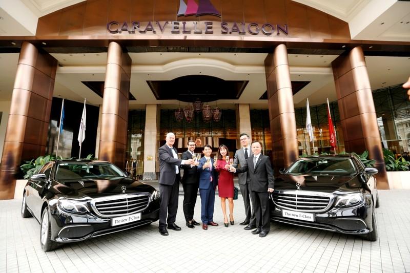 Mercedes-Benz bàn giao bộ đôi E 200 cho Hotel Caravelle - ảnh 2