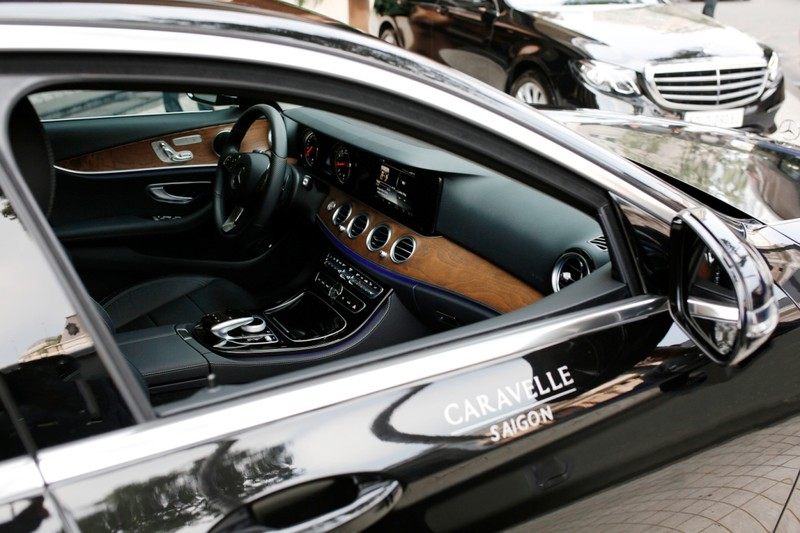 Mercedes-Benz bàn giao bộ đôi E 200 cho Hotel Caravelle - ảnh 5