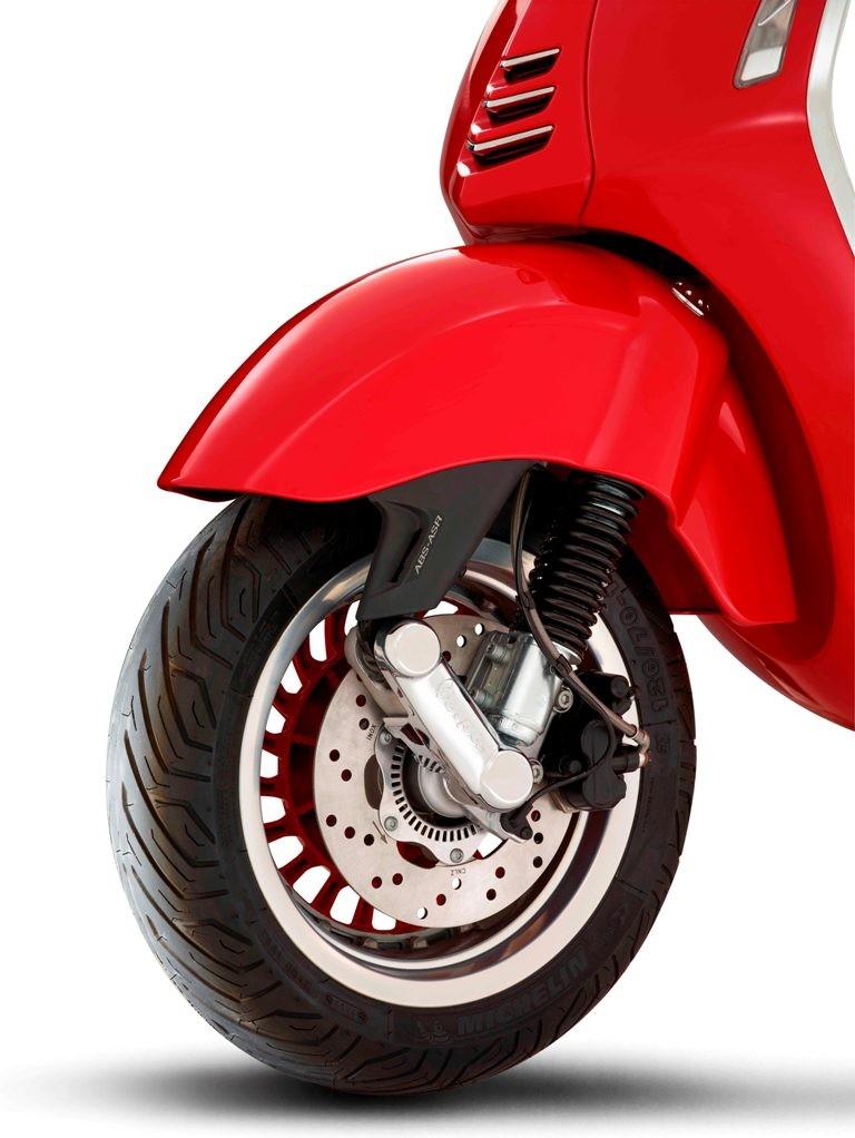 Siêu phẩm Vespa 946 RED có giá 405 triệu đồng - ảnh 8