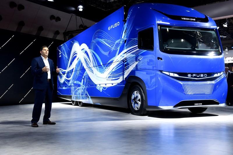 FUSO ra mắt xe tải, xe khách điện E-FUSO - ảnh 2