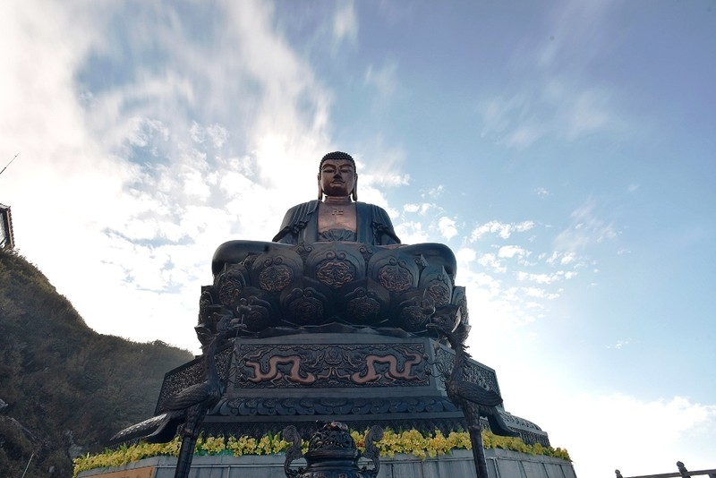 'Lạc bước' trước hình ảnh tâm linh trên đỉnh Fansipan - ảnh 6