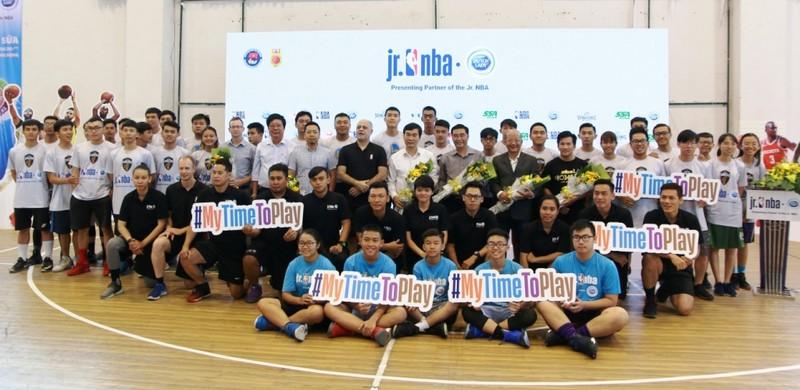 Sữa Cô Gái Hà Lan lại mang bóng rổ NBA đến Việt Nam - ảnh 1