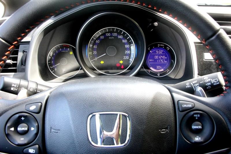 Honda Jazz RS: Bản nhạc dịu êm, mượt mà, cá tính - ảnh 7