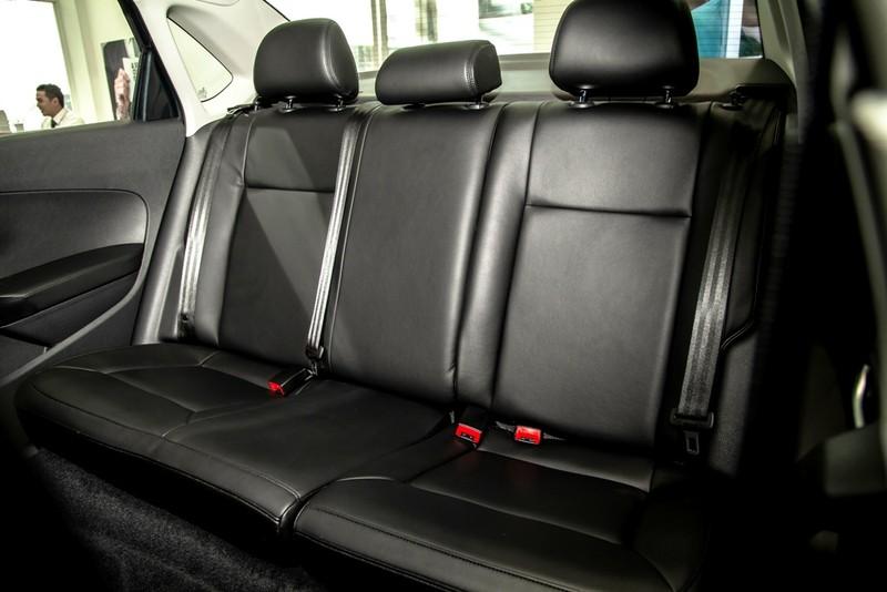 Volkswagen Polo: chiếc sedan tinh tế, mạnh mẽ kiểu Đức - ảnh 7