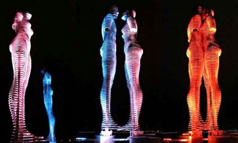 Việt Nam sẽ có bức tượng tình nhân 'biết đi' nổi tiếng Gruzia - ảnh 1