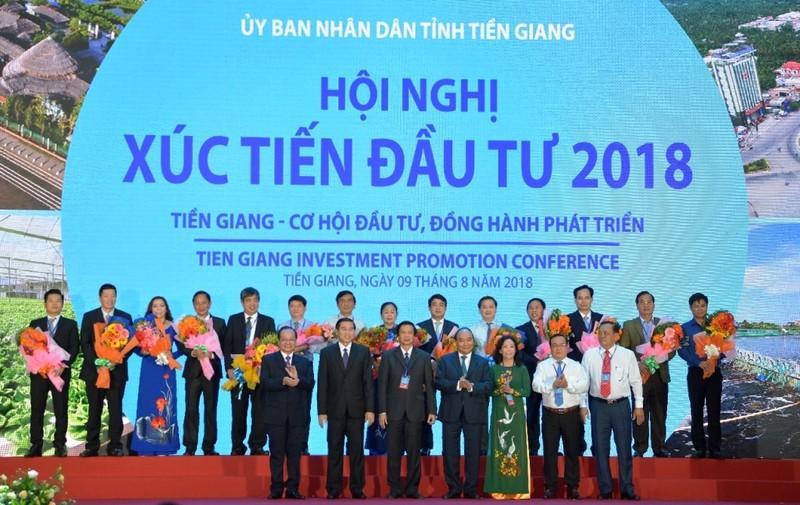 Vietcombank đồng hành phát triển kinh tế-xã hội Tiền Giang - ảnh 1