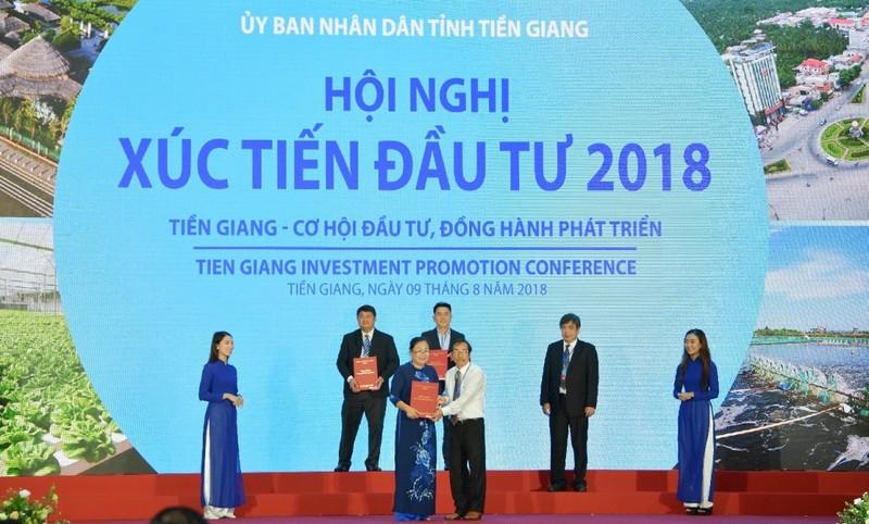 Vietcombank đồng hành phát triển kinh tế-xã hội Tiền Giang - ảnh 2