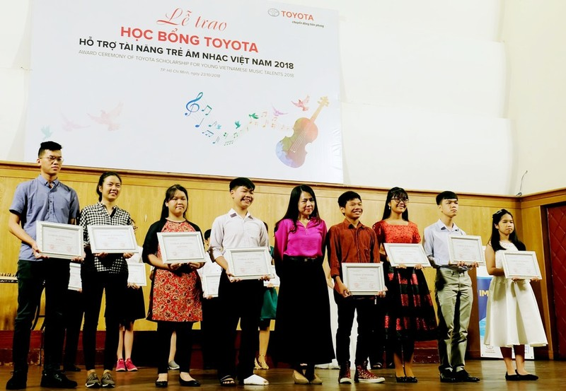 Toyota trao 85 học bổng hỗ trợ tài năng trẻ âm nhạc 2018 - ảnh 1