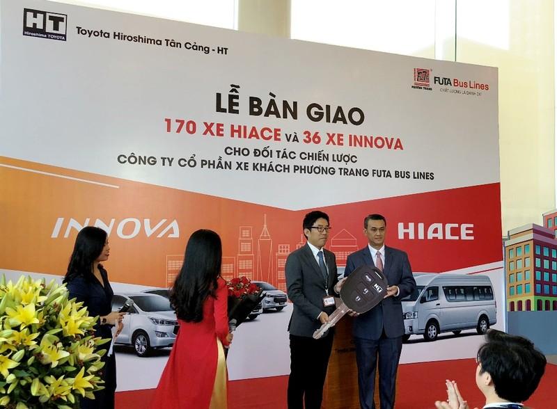 Toyota bàn giao 206 xe mới cho FUTA Bus Lines - ảnh 1