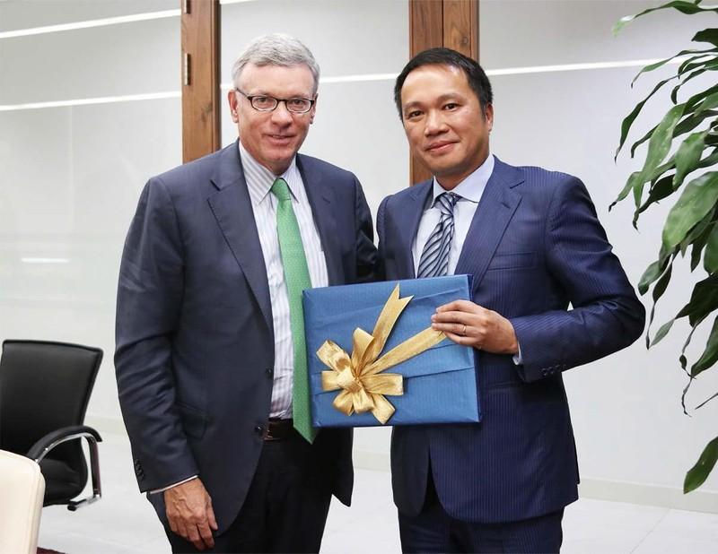 Giám đốc Điều hành VISA thăm Techcombank - ảnh 1