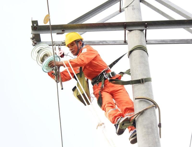 EVNNPC: Đảm bảo cấp điện ổn định dịp lễ 30-4 và 1-5 - ảnh 1