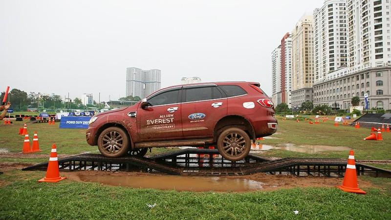 Chuỗi ngày hội lái thử xe miễn phí - Ford SUV Drive - ảnh 2