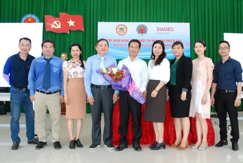 Diageo VN hỗ trợ nghiệp vụ nhà hàng, khách sạn cho sinh viên - ảnh 1