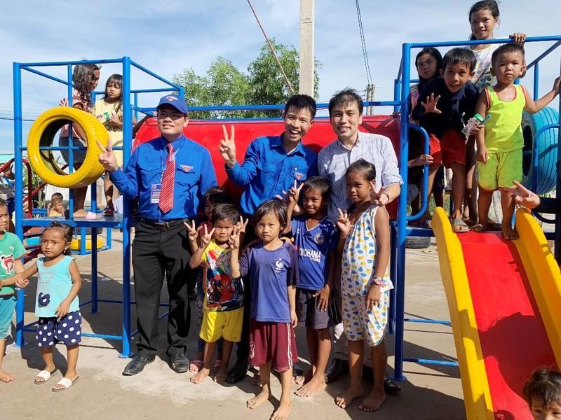 Toyota tặng sân chơi cho trẻ em Bạc Liêu - ảnh 1