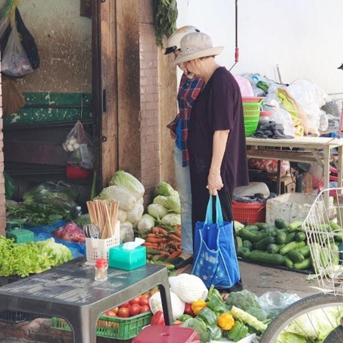 Phụ nữ 'hiến kế' chống rác thải nhựa - ảnh 1