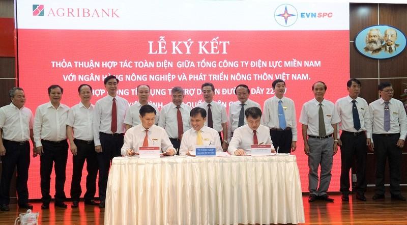 EVNSPC ký kết thỏa thuận hợp tác với Agribank - ảnh 1