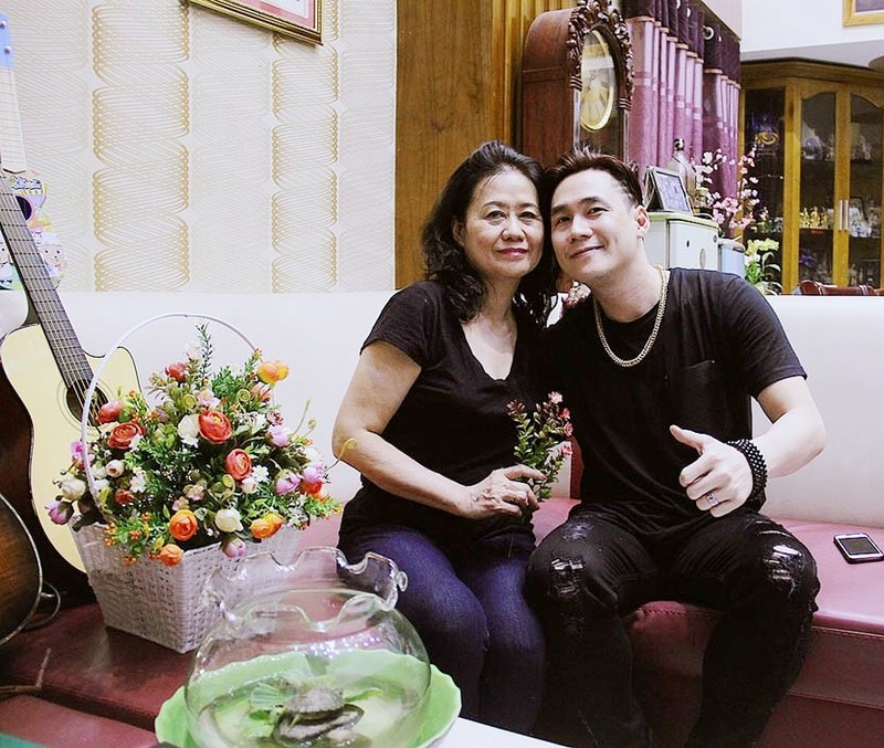 Khánh Phương tặng 200 phần quà cho người thân, bạn bè dịp tết - ảnh 5