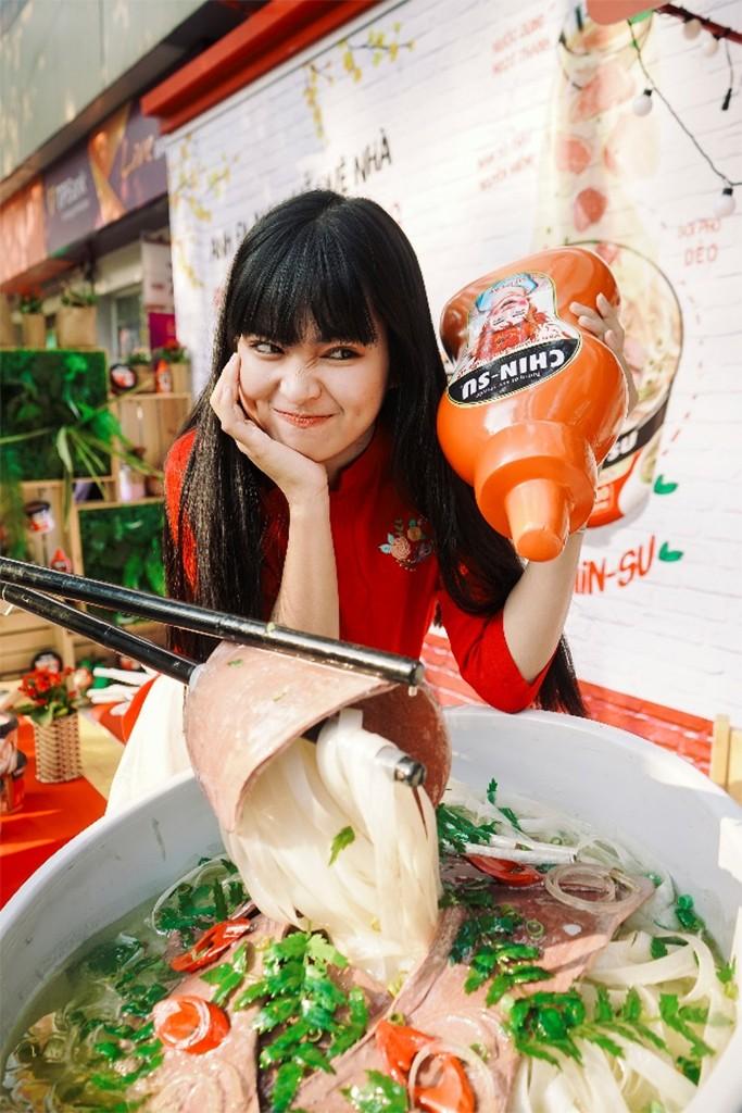 Ngắm ảnh hot girl Mắt Biếc check-in ở Góc Phố Xuân 2020 - ảnh 2