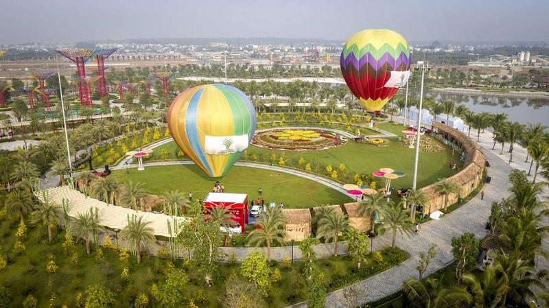 Độc đáo bay khinh khí cầu ngay giữa lòng Sài Gòn - ảnh 1