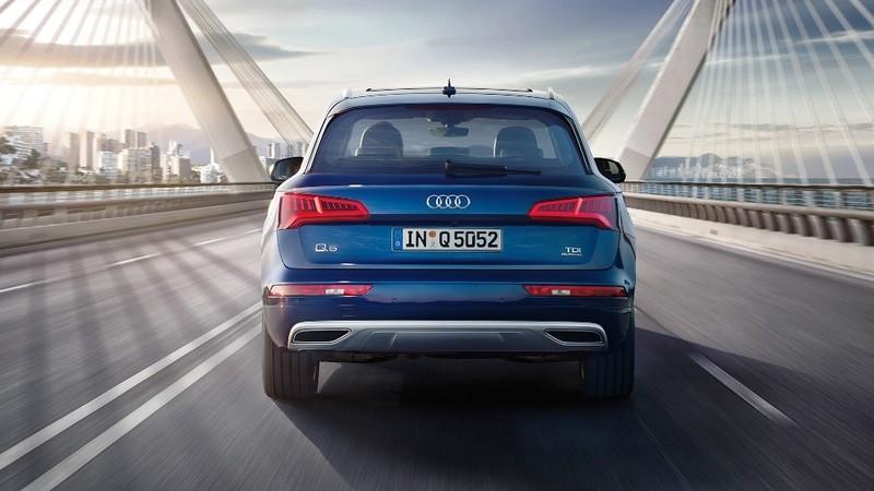 Audi triệu hồi thay thế vít gia cố ốp chắn bùn trên Audi Q5 - ảnh 1