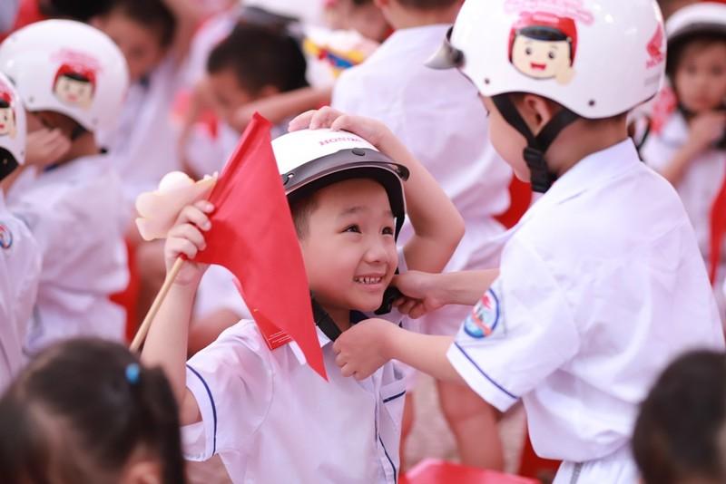 Gần 2 triệu chiếc mũ an toàn cho học sinh lớp 1 - ảnh 2