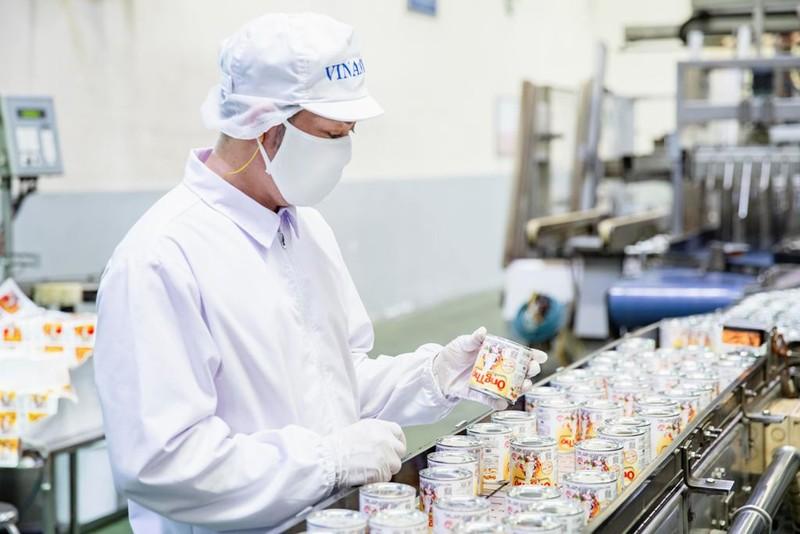 Vinamilk xuất lô sữa đặc 'Ông Thọ' đầu tiên qua Trung Quốc - ảnh 2