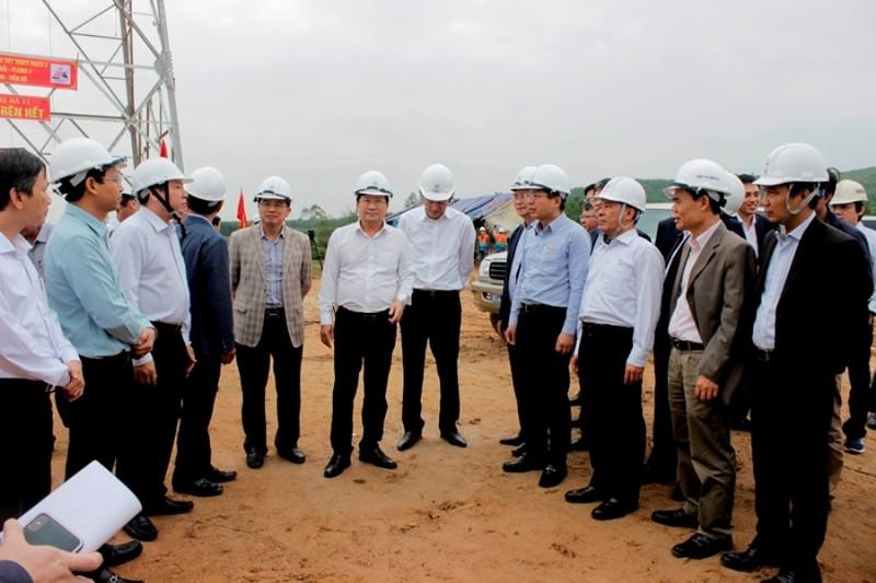 EVNNPT nỗ lực hoàn thành sớm dự án đường dây 500kV mạch 3 - ảnh 1