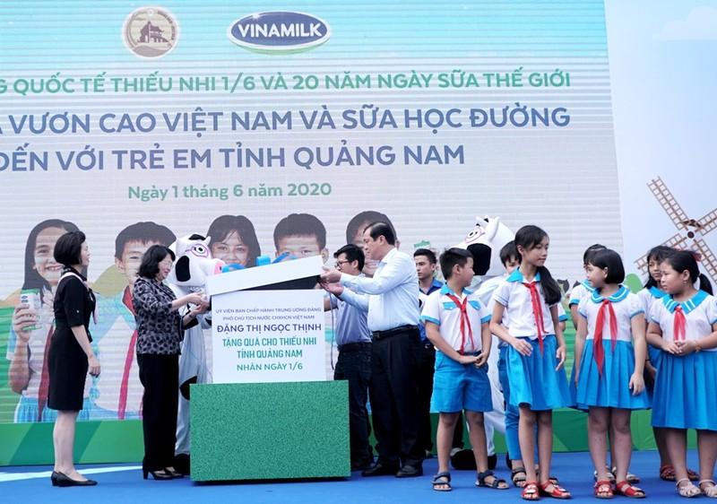 Vinamilk: mang niềm vui uống sữa cho 34.000 trẻ em Quảng Nam - ảnh 1