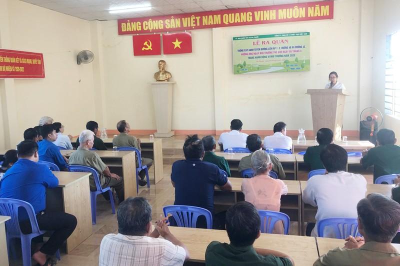 VWS tổ chức trồng 600 cây dầu và sưa ở xã Đa Phước - ảnh 1