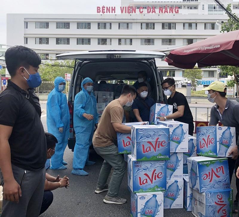 La Vie tặng Đà Nẵng 100.000 lít nước khoáng mùa dịch COVID-19 - ảnh 1
