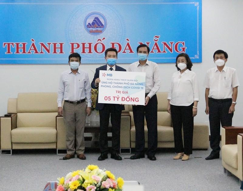 MB hỗ trợ TP. Đà Nẵng 5 tỷ đồng để chống dịch COVID-19 - ảnh 1