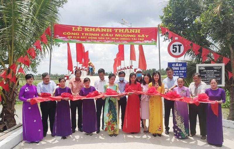CLB BĐS TP.HCM tặng cầu Mương Sậy cho Đồng Tháp - ảnh 1