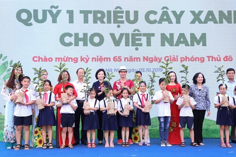 """""""Quỹ 1 triệu cây xanh cho Việt Nam"""