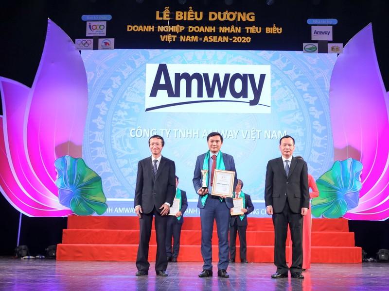 Amway VN nhận giải thưởng Doanh nghiệp tiêu biểu Việt Nam - ảnh 1
