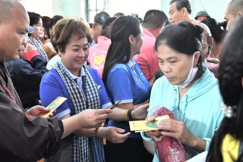 NCB và Quỹ Từ thiện Hành Trình Xanh hướng về miền Trung - ảnh 1