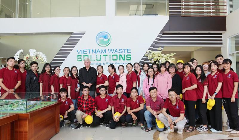 40 sinh viên ĐH Nguyễn Tất Thành tham quan Đa Phước - ảnh 3