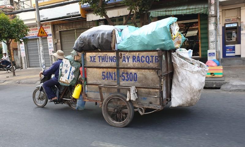 Nhiều lợi ích khi thực hiện phân loại rác tại nguồn - ảnh 1