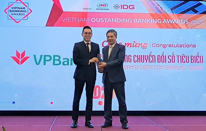 """VPBank nhận giải thưởng """"Ngân hàng chuyển đổi số tiêu biểu"""" - ảnh 1"""