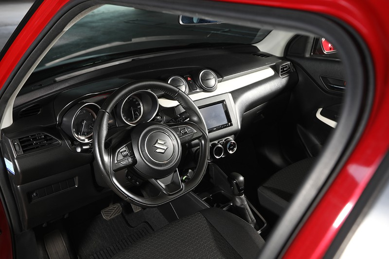 Suzuki Swift, mẫu hatchback thời trang mang thiết kế châu Âu - ảnh 2