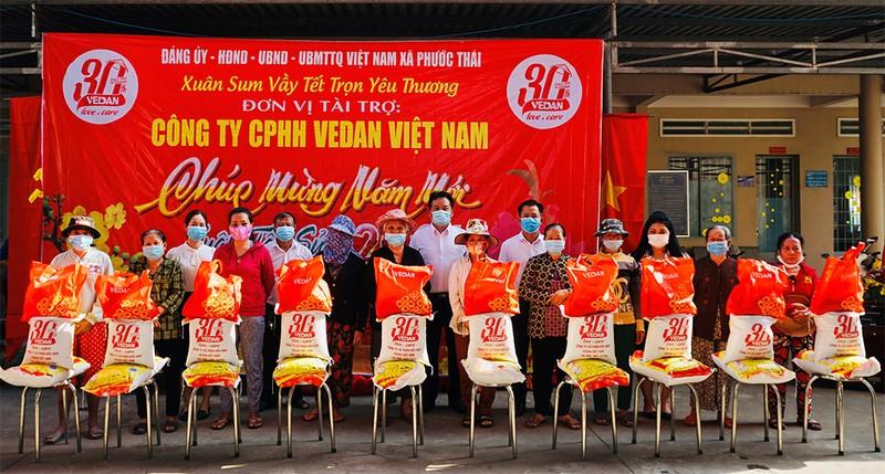 Vedan Việt Nam trao 1.000 phần quà Tết cho người dân Đồng Nai - ảnh 1