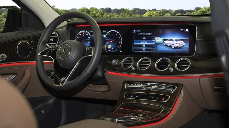 Mercedes-Benz Việt Nam ra mắt mẫu xe E-Class nâng cấp mới - ảnh 2