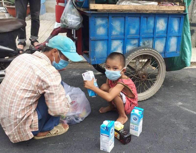 """""""Vạn ly sữa, vạn yêu thương"""" cho TP.HCM, Bình Dương của Cô Gái Hà Lan - ảnh 3"""