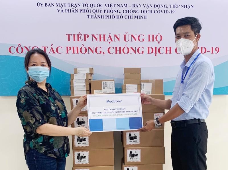 Medtronic Indochina hỗ trợ TP.HCM trang thiết bị y tế chống dịch - ảnh 1