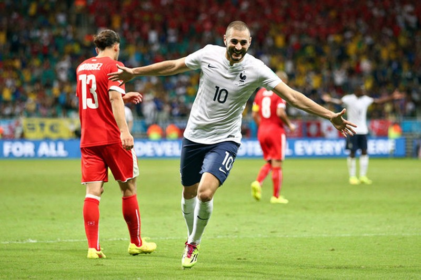 Đức thắng Algeria, Nigeria hòa Pháp - ảnh 1