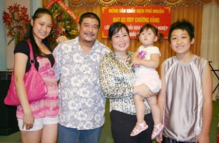 Gia đình hạnh phúc của danh hài nổi tiếng