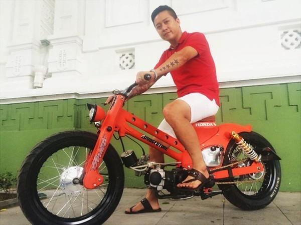 Những chiếc xe máy độc có giá mềm của sao Việt