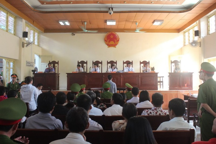 Xét xử hung thủ vụ án oan ông Chấn: Tòa bất ngờ hoãn xử - ảnh 3